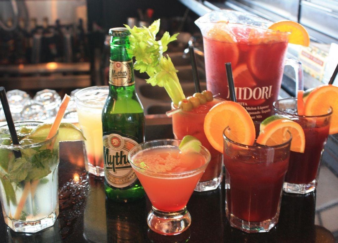 Party Venue Drinks | Taverna Opa